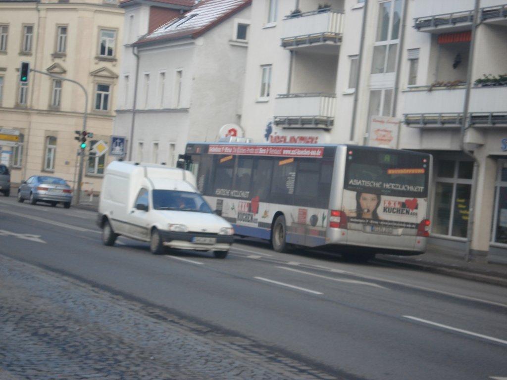 ein man bus der rvd f hrt an der freitaler papierfabrik vorbei in richtung dippoldiswalde. Black Bedroom Furniture Sets. Home Design Ideas