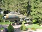 Flugzeuge und Helikopter/115294/der-ehem-armeeflieger-747-stand-und Der ehem. Armeeflieger '747' stand und steht auch noch in dem kleinen Garten der Triebischtalbaude in Tanneberg