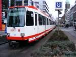 Strasenbahn - Stadtbahn/108871/eine-doppeltraktion-aus-duewag-n8-der-dortmunder Eine Doppeltraktion aus DÜWAG-N8 der Dortmunder Stadtwerke ist am 03.04.2008 im Bereich des ehemaligen Gleisdreiecks an der Haltestelle 'Kampstraße' unterwegs.